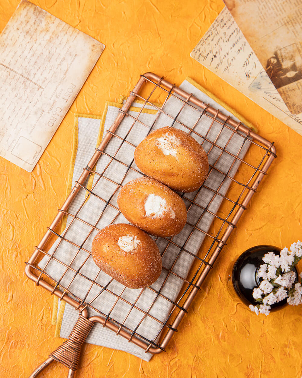 Custard Doughnut Bombolini
